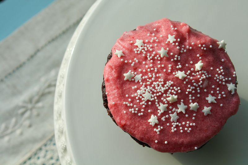 100214raspberrycupcakes-2351