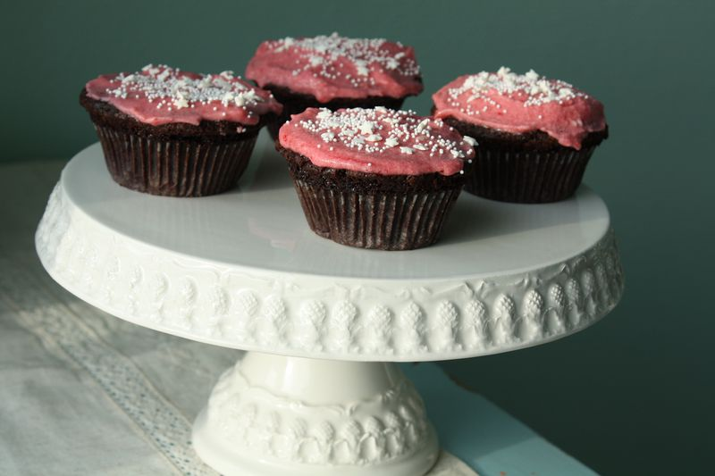100214raspberrycupcakes-2379